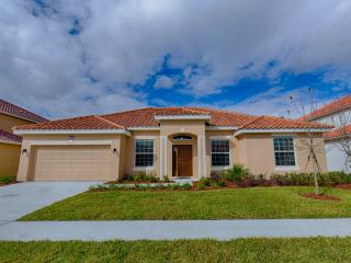4 Bed Pool Home, Clubhouse + Waterslides 4095 SOLT, Orlando