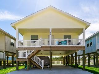 Banana Boat: BRAND NEW, 3bed/2bath, Close to the Beach, Golf Cart, Port Aransas