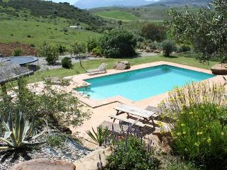 Spacious Holiday Apartment with Private Pool, Casarabonela