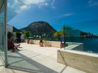 Carnaval: 2 Story, 800m2 Penthouse w/ pool on Lagoa, Río de Janeiro