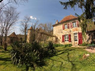 Freicinet cottage by the Château de Saint Dau, Figeac