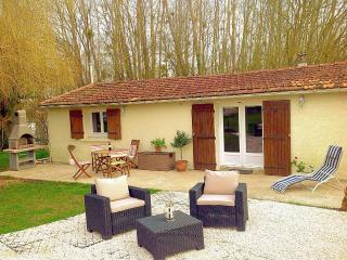 Jacinthe Des Bois 2 bedroom cottage, Port d'Envaux