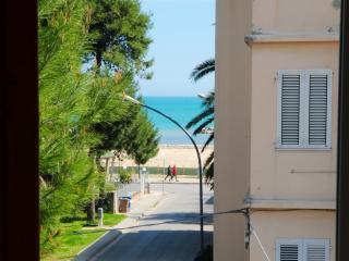 Appartamento zona centrale a 100 metri dal mare