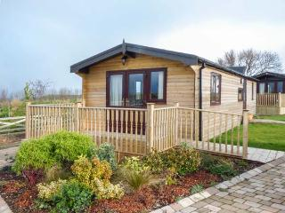 HAWTHORNE LODGE, detached, all ground floor, WiFi, pet-friendly, Danby, Ref 920687