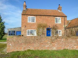 BELLAFAX COTTAGE on a working farm, family-friendly, open fire in Pickering Ref