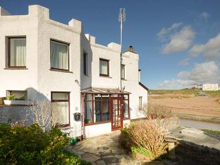 THE FORT quirky, sea views, beach nearby, WiFi in Bude Ref 928563