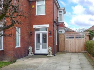 WILLS HOUSE close to beach, enclosed garden, games room in Redcar Ref 928714
