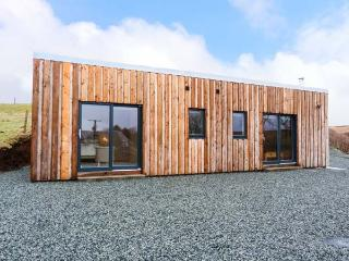THE CABIN * SEAVIEW, log cabin, all ground floor, multi-fuel stove, parking