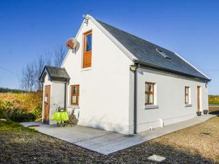 BURRA CHURRAGH, detached, en-suite, parking, patio, romantic base, Doolin, Ref 930024