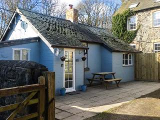 DUCK EGG COTTAGE, single-storey, woodburner, dog-friendly, many activities in the area, Rhayader, Ref 931172
