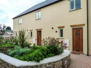 6 MALTHOUSE COURT family-friendly, near to marina, village centre in Watchet