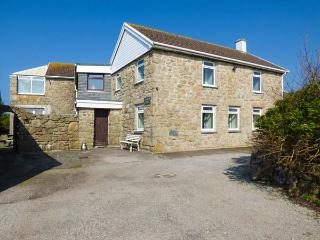 TREGIFFIAN VEAN, spacious holiday home, open fire, wonderful sea views, pet-friendly, Sennen Cove, Ref 932657