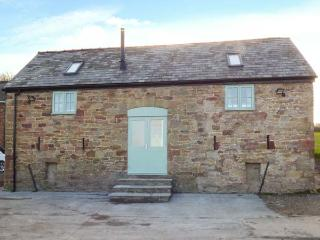 PLAS TIRION COTTAGE, stabling available, close to the beach, WiFi, woodburner, Holywell, Ref 932781