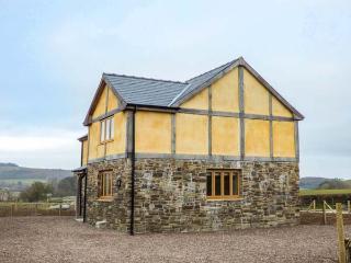 UPPER CLOSE, detached, woodburner, enclosed garden, countryside views, Kington, Ref 933089