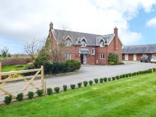 MANOR WOOD, on-site facilities, luxurious accommodation, plenty of walks, Tilston, Ref 933486