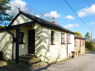 LOGANS, single-storey, detached barn conversion, woodburner, dog-friendly, in Pa