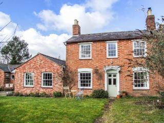 THE CLOSE, detached Georgian cottage, woodburning stove, dog-friendly, enclosed