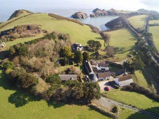 ROBIN COTTAGE, semi-detached, on working farm, parking, shared private beach