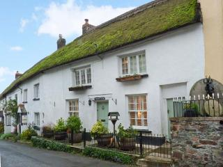 VINEYARD COTTAGE, Grade II listed thatched holiday home, woodburner, walks from the door, in Winkleigh, Ref 934444