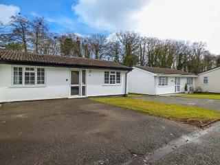 MERRYFIELD MINOR, ground floor lodge, open plan, pet-friendly, good touring