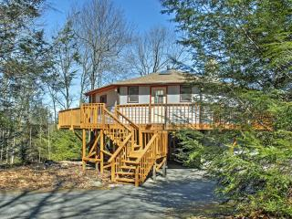 New Listing! Unique 2BR Blakeslee 'Round House' w/Wrap Around Deck, Flat Screen TVs & Outstanding Views - Just 1-Mile from the Big Boulder Ski Area!