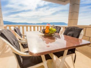 Bili Apartment Resort Komarna