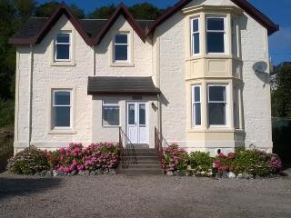 Avondale - Free WiFi - short stays!, Rothesay