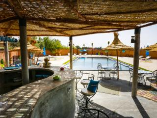 TCHINA-MANDARINA, 7 chambres  20 couchages avec deux piscines dont une int.à 29°, Region Marrakesch-Tensift-El Haouz