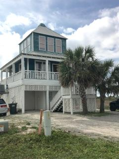 Awesome Morgantown Beach Cottage steps to the sand