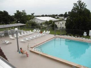 2br 2 bath 720sq ft Vacation Rental North Port 55+