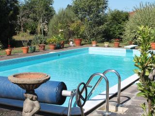Gite with Pool DISCOUNTED FOR JUNE & JULY, Sousceyrac