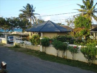 Beach Front Villa, Duncans