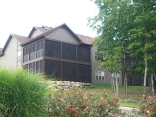 OPEN JUNE 24-27/JULY DATES/BIRDIE BUNGALOW/Stonebridge Resort/Near Silver Dollar City/Sleeps 2-6, Branson