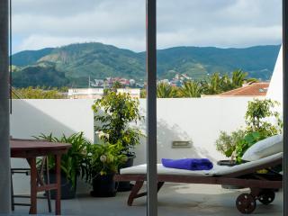 Ático en Casco Antiguo: D´PaSo House - Garaje