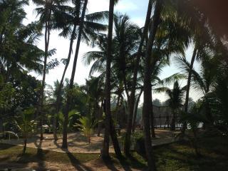 Deep Blue Sri Lanka Rentals: Colonial Villa Seafront