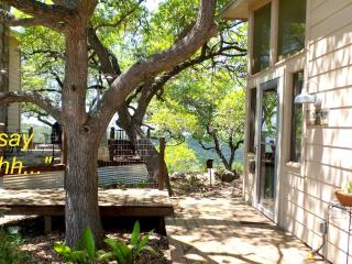 Room 2 - Private Hill Country guest house w/ Views, Pipe Creek