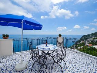 PR136-Beautiful Villa with Swimming pool, BBQ, garden and Sea View, Praiano