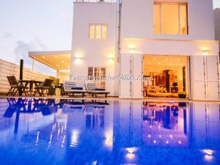 Villa Blue Phoenix, Protaras