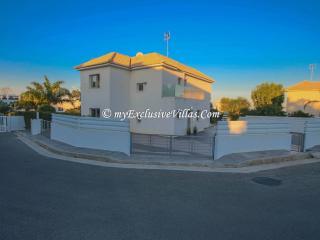 Villa Evita, Protaras