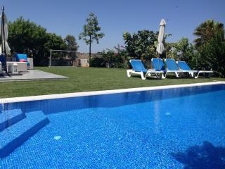 ATOV9 Villa Alona