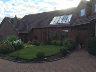 outstanding new holiday house with views & hot tub, Letham Grange