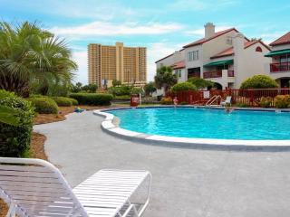 Studio 1 Block from Beach & Lagoon w/Amenities, Panama City Beach