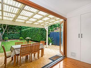 COWL5 -  Delightful 2 Bedroom Semi in Mosman