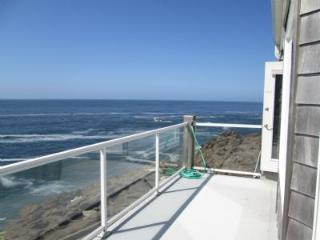 Promenade Deck ~ RA69918, Depoe Bay