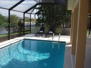Aquarius - Waterfront Pool Vacation Home, Cape Coral ~ RA72026