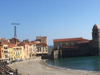 20 m to beach-in the old town, perfect for couples, Collioure