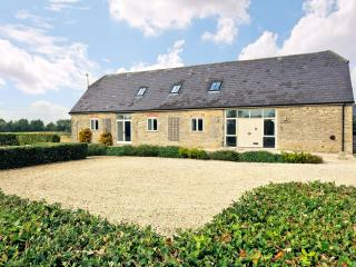 Owl Barn, nr Burford, Oxford, the Cotswolds, Bampton