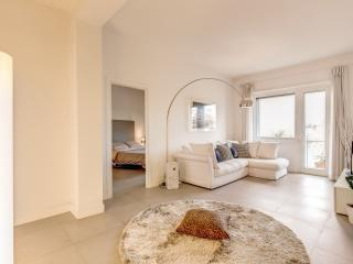 Stylish San Paolo and Colosseum Flat, Rome