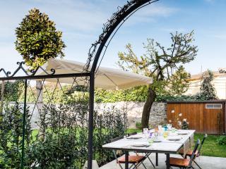 Zibaldone House with Garden, Lucca