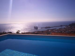Casa da Pinheira II - Superb Views & Heated Pool
